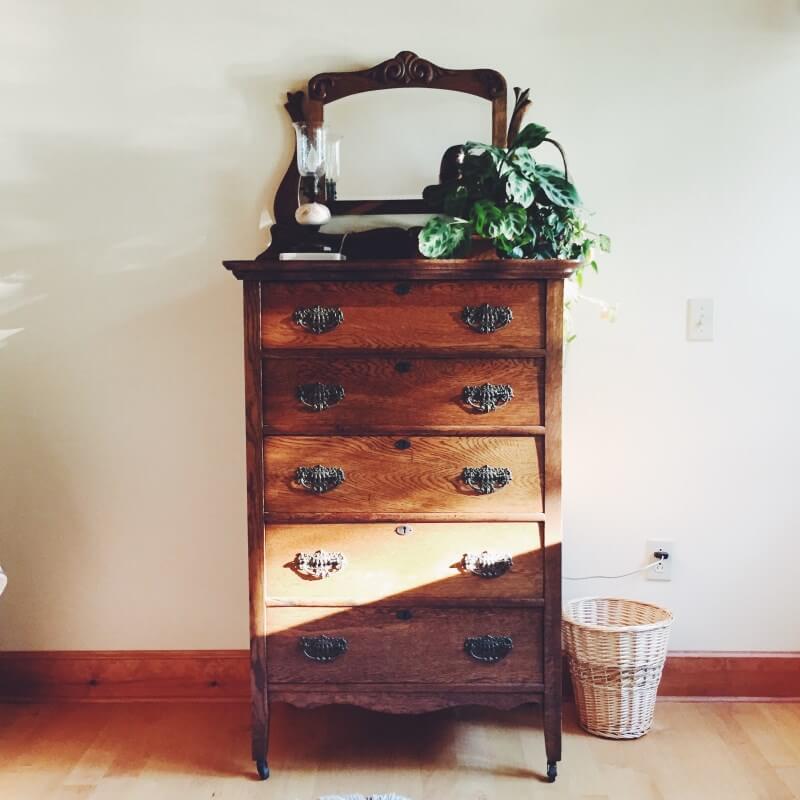 Restauración antigüedades muebles Puigcerda